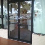 storefront aluminum door repair broward palm beach county,commercial door & lock repair,door pivots / hinges repair replacement fort lauderdale,pompano beach,boca raton floriida